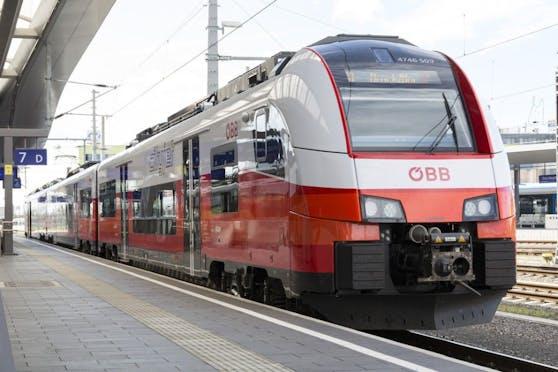 Ein Corona-Infizierter fuhr am Montag mit dem Zug von Graz nach Wien.
