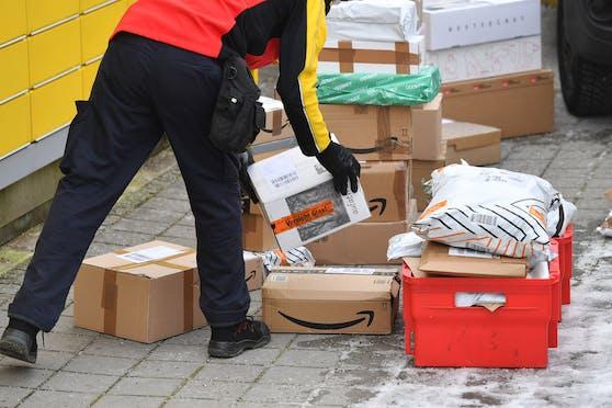 Paketzusteller haben gerade vor Weihnachten viel zu tun. Symbolbild