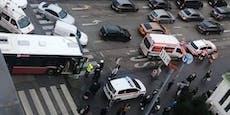Bus steht quer über Straße: Stau am Wiener Gürtel