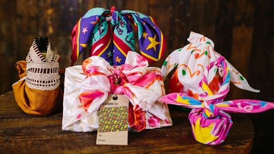 """Die """"Knot Wrap"""" Tücher der Firma Lush sind eine nachhaltige Alternative zum Geschenkspapier."""