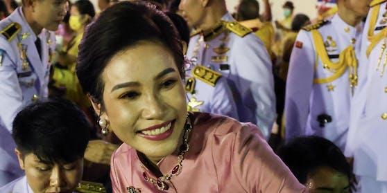 Nackt-Fotos von Geliebter des Thai-Königs geleakt - Welt