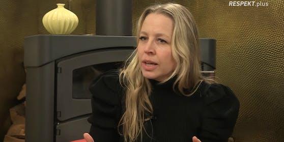 Nina Proll beobachtet, dass sich zu wenige Veranstalter kritisch äußern.