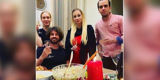 Karina Sarkissova teilte dieses Foto auf Instagram.
