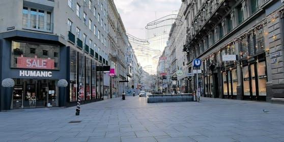 Leere Einkaufsstraßen, geschlossene Geschäfte.