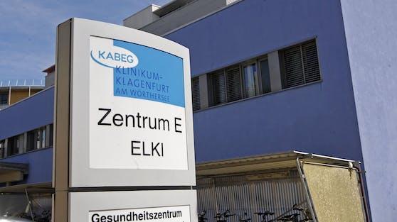 Der Patient wird im Klinikum Klagenfurt am Wörthersee behandelt.