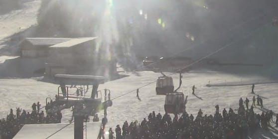 In Zauchensee herrschte am Sonntag wildes Gedränge beim Skilift.