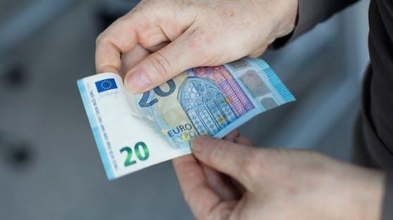 Ein 20-Euro-Schein. Ab 2021 werden alle mit einem Speziallack überzogen.