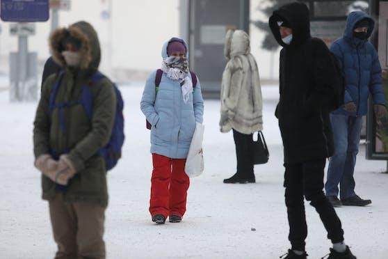 Im Süden und Westen Sibiriens haben Meteorologen neue Kälterekorde gemessen.