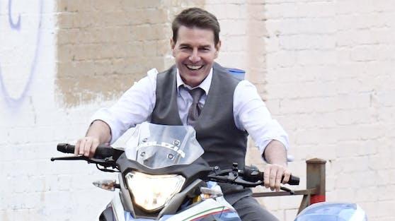 """Tom Cruise befindet sich im """"Mission: Impossible""""-Endspurt und macht für die letzten Szenen das Filmset coronasicher."""