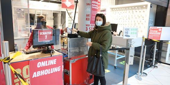 """MediaMarkt: Übergabe im EKZ """"The Mall"""""""