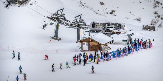 Viele Briten fuhren zum Skiurlaub in die Schweiz.