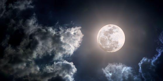 Ab dem 30. Dezember erhellt ein riesiger Vollmond den Himmel über Österreich (Symbolfoto)