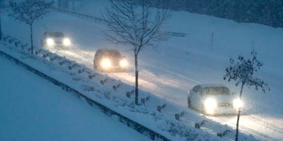 Starker Schneefall sorgt am 28. Dezember 2020 für große Schneemengen in Klagenfurt.
