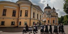 Polizei stürmt von Corona-Mönch besetztes Kloster