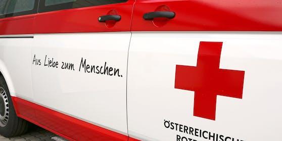 Das Rote Kreuz stand mit mehreren Personen im Einsatz. Symbolbild