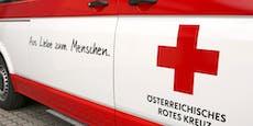 Rettungsauto verunfallt – Patient eingeklemmt