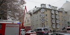 Feuerwehr kämpft seit Stunden gegen Brand in Wien