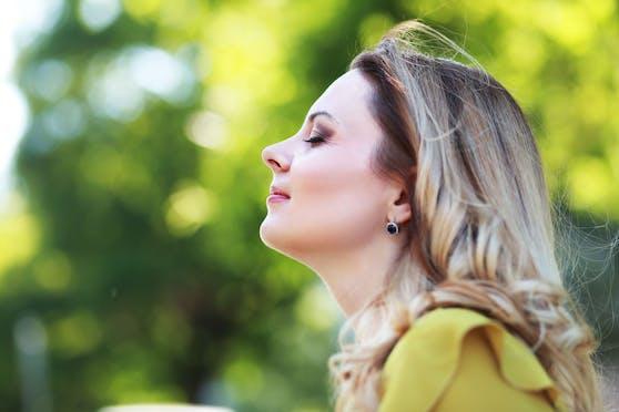 Forscher haben ein neues Symptom identifiziert, das vor dem Geruchsverlust eintritt.