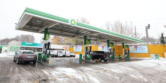 Wer auf dieser Tankstelle Kunde ist, könnte wegen Besitzstörung angeklagt werden.
