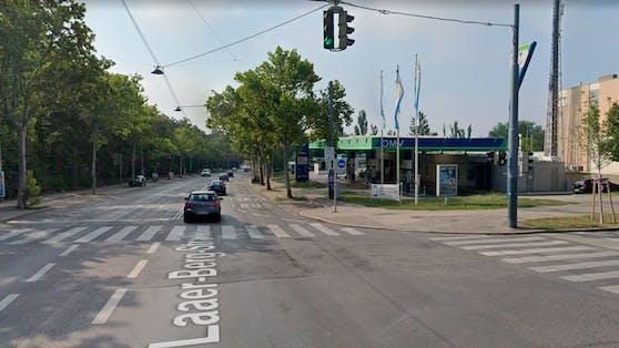 Eine Tankstelle in der Laaer-Berg-Straße, Wien-Favoriten