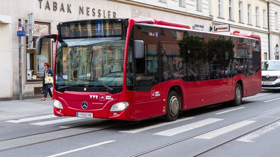 Ein Bus der Innsbrucker Verkehrsbetriebe. Archivbild