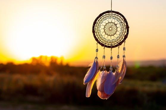 Sternbilder spielen in der indianischen Astrologie keine Rolle, sondern der Zustand der Natur (Pflanzen, Tiere, Gesteine, Winde, Jahreszeiten)