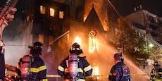 Feuer zerstört historische Kirche in New York