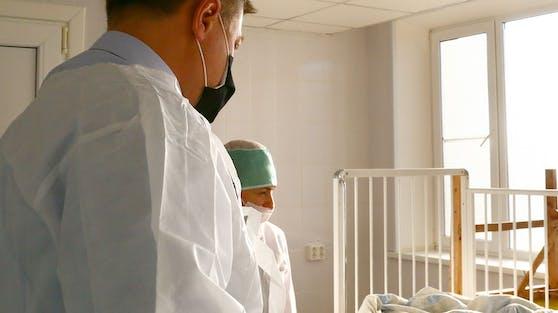 Mehrere Kinder müssen im Krankenhaus behandelt werden.