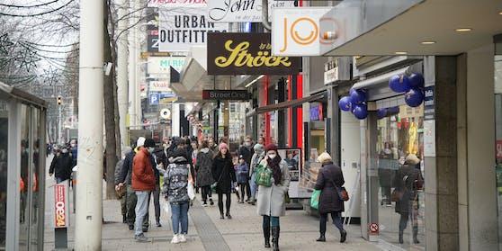 Konsumenten sollen 500 Euro Einkaufsgeld bekommen.
