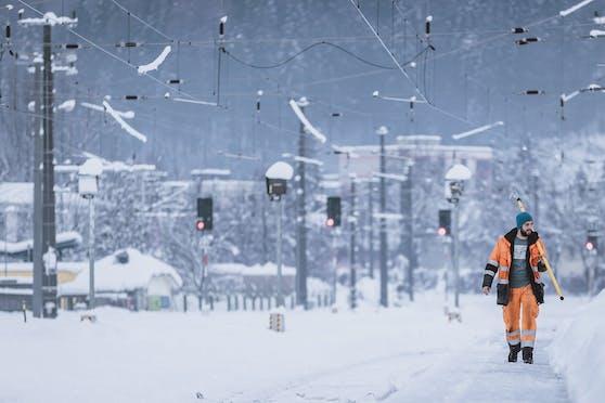 Tief Olaf sorgte in den vergangenen Stunden vor allem im Norden des Landes für Schneefall auch in tiefere Lagen. Symbolbild.