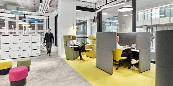 Das Büro der Zukunft?Mit einem Mix aus neuen Technologien und einem flexiblen Raumkonzept gelingt es Bene Wohlfühlatmosphäre, Interaktion und Sicherheit miteinander zu verbinden.