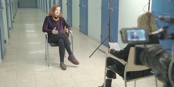 Psychiaterin Sigrun Roßmanith im Gespräch mit Puls-24-Chefreporterin Magdalena Punz