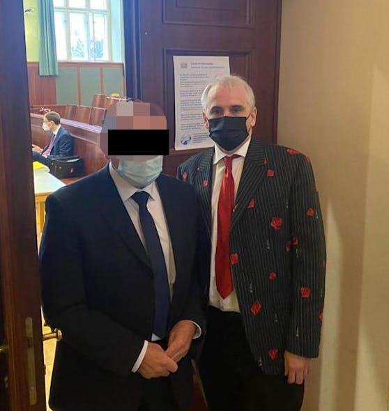 Angeklagter Arzt mit Anwalt Michael Dohr beim Prozess