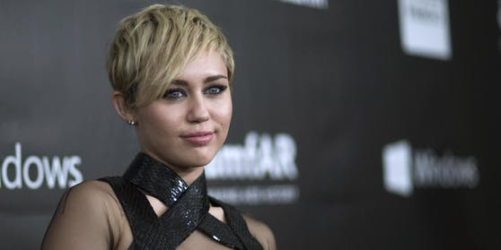 Popstar Miley Cyrus glaubt an UFOs.