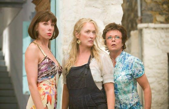 """""""Mamma Mia!"""": Gibt es schon bald ein Wiedersehen mit Christine Baranski (li.), Meryl Streep (Mitte) und Julie Walters (re.)?"""