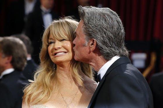 Goldie Hawn, hier mit Ehemann Kurt Russell, kann endlich wieder strahlen.
