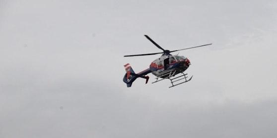 Die Polizei suchte mit dem Hubschrauber.