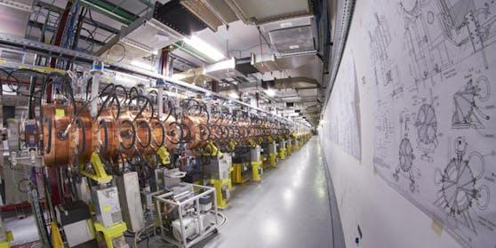 Bis 2021 soll der Protonenstrahl im LHC noch höhere Energien erreichen und damit neue Erkenntnisse über das Higgs-Teilchen und vielleicht auch Hinweise auf eine neue Physik ermöglichen.