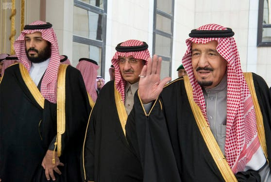 König Salman (re.) wurde in ein Krankenhaus eingeliefert.