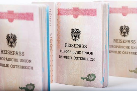 Einige besitzen den österreichischen Pass zu Unrecht.