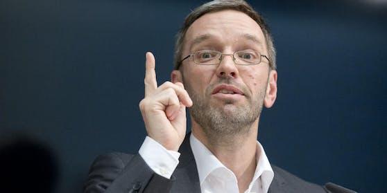 Kickl (FPÖ) fordertSpitzenpolitiker auf, bekanntzugeben, ob sie bereits geimpft wurden