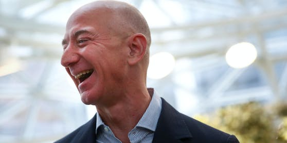 Bezos bräuchte über 460 Jahre, um sein Geld zu zählen.