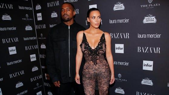 """Kim Kardashian (re.) ist """"enttäuscht und traurig"""", dass ihr Mann Kanye West seine bipolare Störung nicht in den Griff bekommen will."""