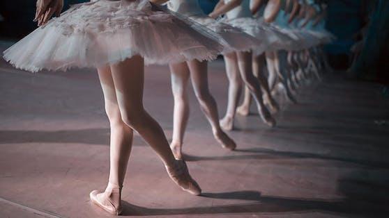 Balletttänzerin bei ihrem Training