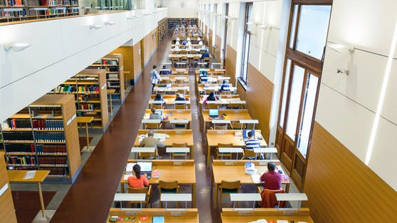 In der Österreichischen Nationalbibliothek dürften die neuen Abstandsregeln leichter einzuhalten sein.