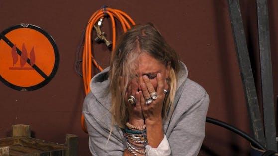 Nicole Belstler-Boettcher bricht bei Promi Big Brother zusammen: Sie fürchtete, ihre Kinder zu blamieren. Man fragt sich, ob sie jemals eine Folge dieser Sendung angeschaut hat, bevor sie einen Vertrag unterschrieb.