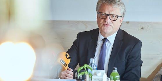 """Bürgermeister Klaus Luger findet die Idee der Grünen grundsätzlich interessant, aber: """"Derzeit dürfen Städte keine Anleihen ausgeben."""""""