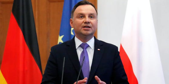Andrzej Duda, Präsident von Polen, hat sich mit dem Corona-Virus angesteckt.