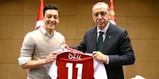 Özil wechselt zu Fenerbahce, wird Erdogans Nachbar