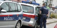 Schmuck-Räuber überfallen Frau daheim mit Messern